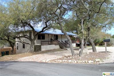 Canyon Lake Single Family Home For Sale: 221 Poolside