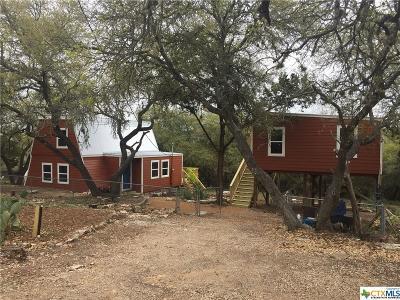 Canyon Lake Single Family Home For Sale: 1066 High Hills Drive