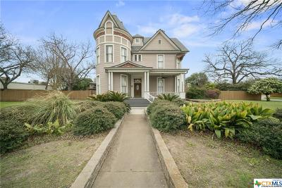 Seguin Single Family Home For Sale: 1207 Austin
