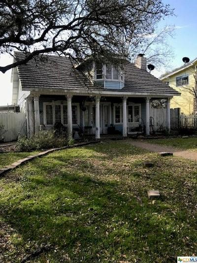 Canyon Lake Single Family Home Pending Take Backups: 544 Deerwood
