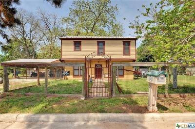 Bastrop Single Family Home For Sale: 1306 Farm