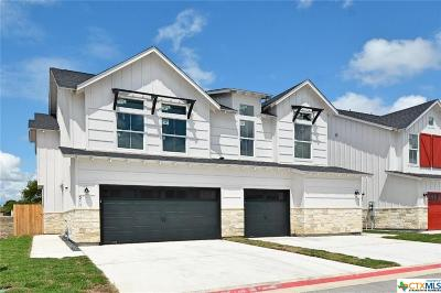 New Braunfels Condo/Townhouse For Sale: 211 Sapphire