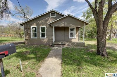 Seguin Single Family Home For Sale: 508 Walnut