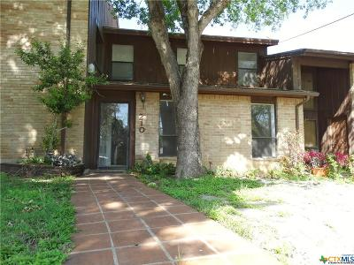 San Marcos Single Family Home For Sale: 210 Scott