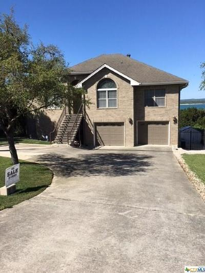 Canyon Lake Single Family Home For Sale: 692 Lake Forest