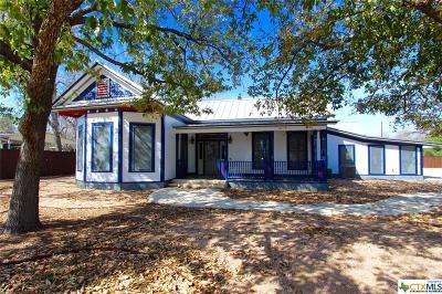 La Vernia Single Family Home For Sale: 309 Seguin Road