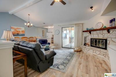Canyon Lake Single Family Home For Sale: 1042 Parkview