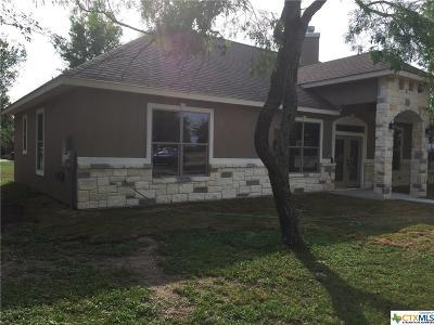 Seguin Single Family Home For Sale: 1310 Hunters Court
