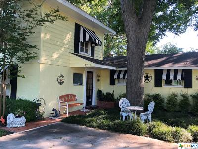 McQueeney Single Family Home For Sale: 1713 Terminal Loop