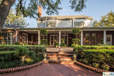 New Braunfels Single Family Home For Sale: 6 Trophy
