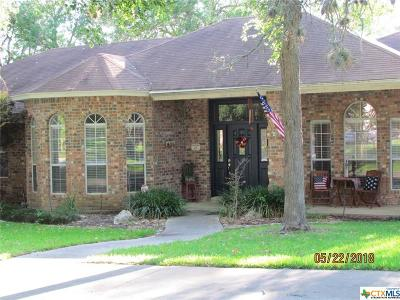 Seguin Single Family Home For Sale: 312 Oak Mott Court