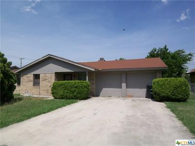 Single Family Home For Sale: 2103 Lago Trail