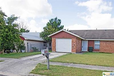 Killeen Condo/Townhouse For Sale: 2208 Spicewood Drive
