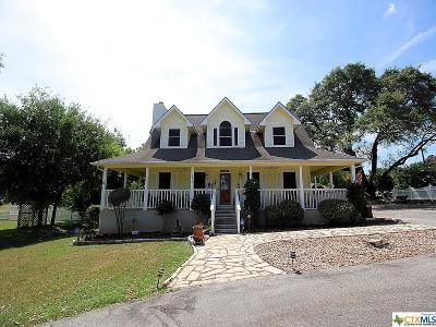 Canyon Lake Single Family Home For Sale: 670 Rainbow