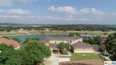 Canyon Lake Single Family Home For Sale: 1472 Kings Cove Drive