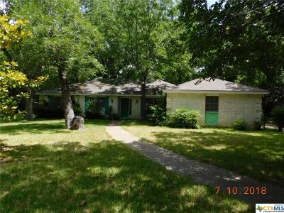Woodway TX Single Family Home For Sale: $124,900