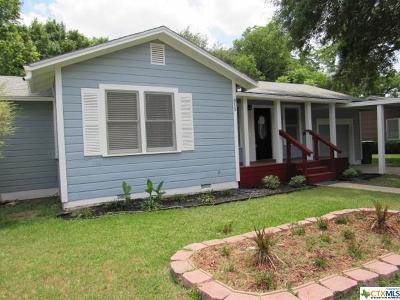 Seguin Single Family Home For Sale: 815 E Humphreys