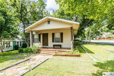 New Braunfels Single Family Home For Sale: 604 S Academy Avenue