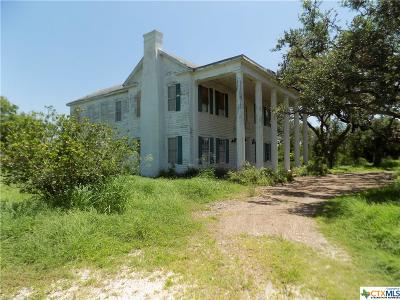 Refugio TX Single Family Home For Sale: $125,000