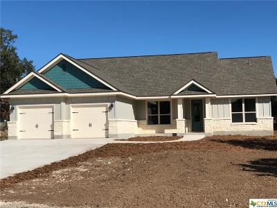 Canyon Lake Single Family Home For Sale: 104 Cliffwood
