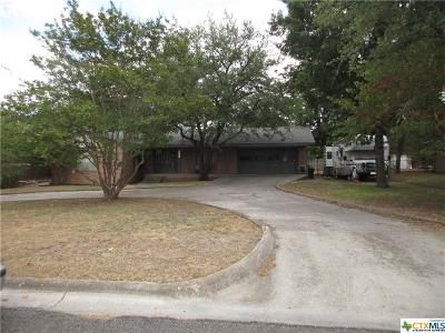 Lampasas Single Family Home For Sale: 1410 W Ave B