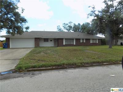 Refugio TX Single Family Home For Sale: $147,500