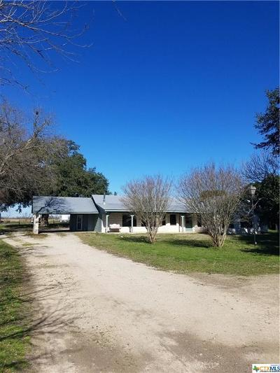 Guadalupe County Single Family Home For Sale: 400 Tatum