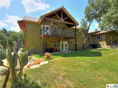 Canyon Lake Single Family Home For Sale: 102 W Outer