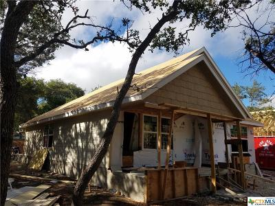 Canyon Lake Single Family Home For Sale: 548 Circleview Drive