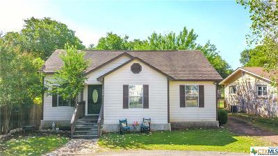 Canyon Lake Single Family Home For Sale: 430 Paradise