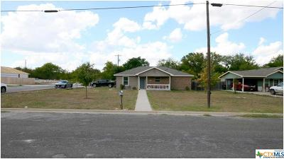 Lampasas Single Family Home For Sale: 1201 E Avenue F