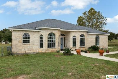 La Vernia Single Family Home For Sale: 210 Bluebonnet