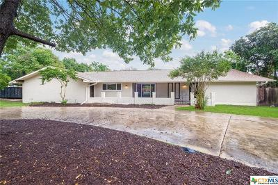Single Family Home For Sale: 204 Travertine