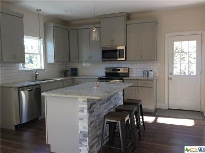 Canyon Lake Single Family Home For Sale: 1676 Lonesome