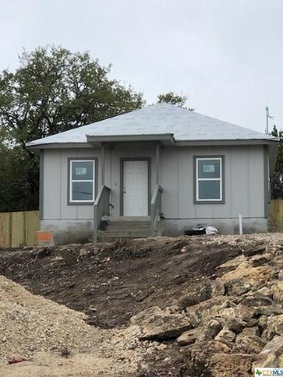Canyon Lake Single Family Home For Sale: 1260 Mountain View