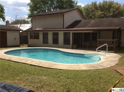 Seguin Single Family Home For Sale: 105 Forest