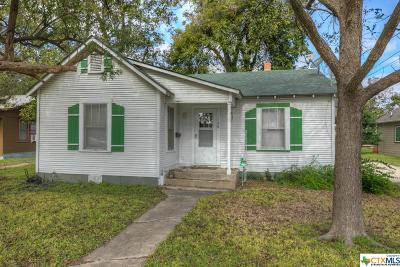 Comal County Single Family Home For Sale: 150 W Faust Street