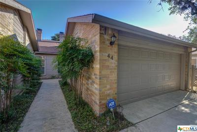 Canyon Lake Condo/Townhouse For Sale: 44 Oak Villa