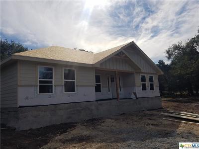 Canyon Lake Single Family Home For Sale: 1820 Deer Run Pass