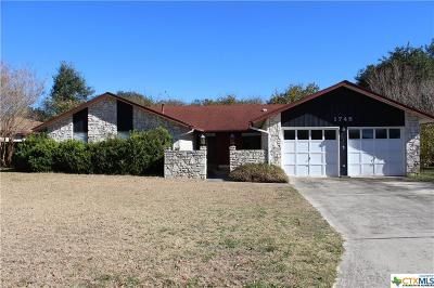 Seguin Single Family Home For Sale: 1745 Willow Creek