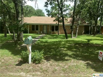 Milam County Single Family Home For Sale: 106 Sand Oak