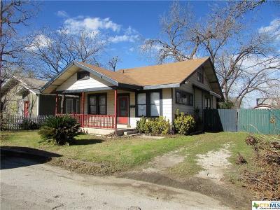 Seguin Single Family Home For Sale: 110 W Weinert