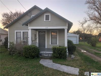 Schulenburg TX Single Family Home For Sale: $75,000