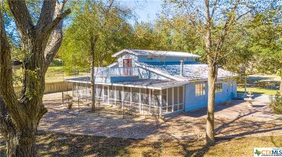 Guadalupe County Single Family Home For Sale: 211 Caddell