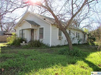Seguin Single Family Home For Sale: 602 Peach