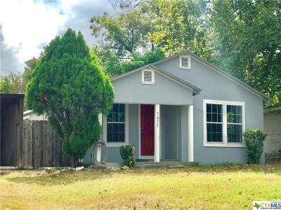 Seguin Single Family Home For Sale: 3077 Stockdale Hwy
