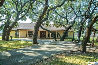 Seguin Single Family Home For Sale: 115 Country Lane
