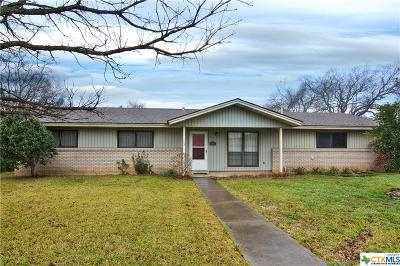 Seguin Single Family Home For Sale: 112 N Moss
