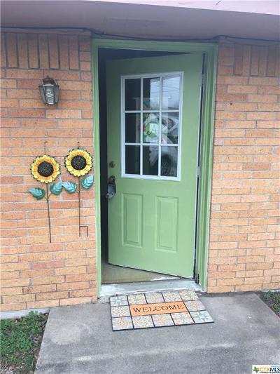 Cuero TX Single Family Home For Sale: $108,500