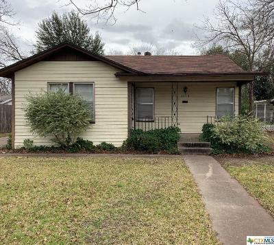 Milam County Single Family Home For Sale: 1503 N Cleveland Avenue